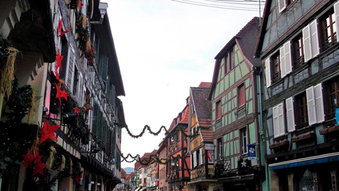 Obernai-casas-de-entramado-de-madera-coloridas-y-bonitas-donviajon-turismo-gastronomico-cultural-alsacia-francia