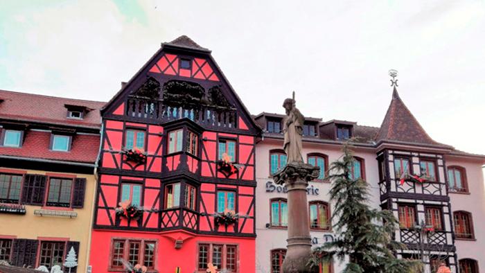 Obernai-fuente-de-santa-odilia-donviajon-plaza-del-mercado-turismo-cultural-naturaleza-alsacia-francia