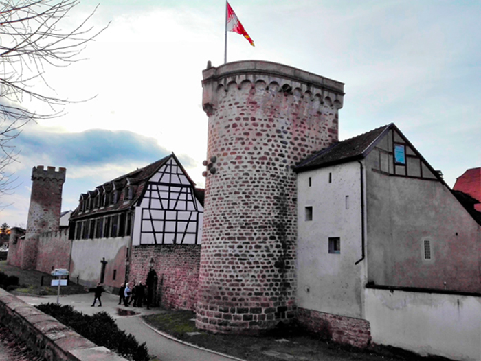Obernai-murallas-medievales-donviajon-arte-gotico-medieval-turismo-cultural-historico-alsacia-francia