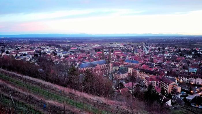 Obernai-panoramica-pueblo-bonito-alsacia-donviajon-turismo-cultural-etnologico-francia