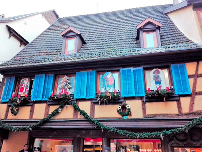 Obernai-pueblo-bonito-en-la-ruta-del-vino-de-alsacia-donviajon-turismo-aventura-naturaleza-francia