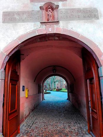 santa-odilia-la-mas-amada-de-alsacia-francia-donviajon-turismo-religioso-y-espiritual-senderismo-naturaleza