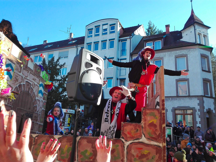 Dillweißenstein-carnaval-de-invierno-donviajon-turismo-cultural-tradiciones-alegres-Pforzheim-Alemania