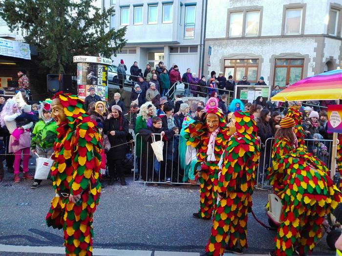 Dillweißenstein-comparsas-de-carnaval-donviajon-turismo-cultural-tradiciones-Pforzheim-Alemania