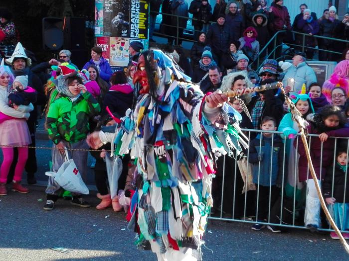 Dillweißenstein-donviajon-tradiciones-alegres-del-carnaval-en-Pforzheim-Baden-Wurttemberg-Alemania