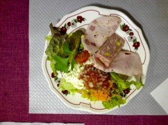 Ribeauville-ensalada-alsaciana-donviajon-turismo-gastronomico-alsacia-alto-rin-francia