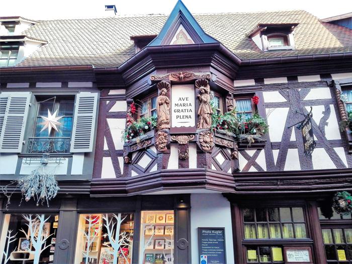 Ribeauville-la-casa-de-los-menestriles-donviajon-turismo-cultural-enologico-naturaleza-aventura-alsacia-francia