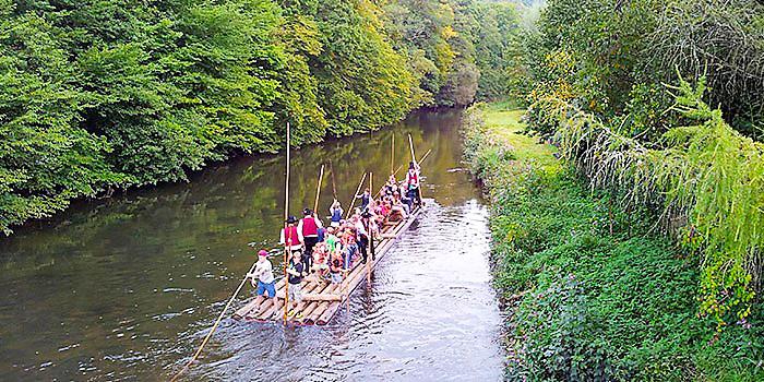 rios-en-la-selva-negra-donviajon-turismo-sostenible-alemania-tradiciones-balseros-en-el-rio-nagold