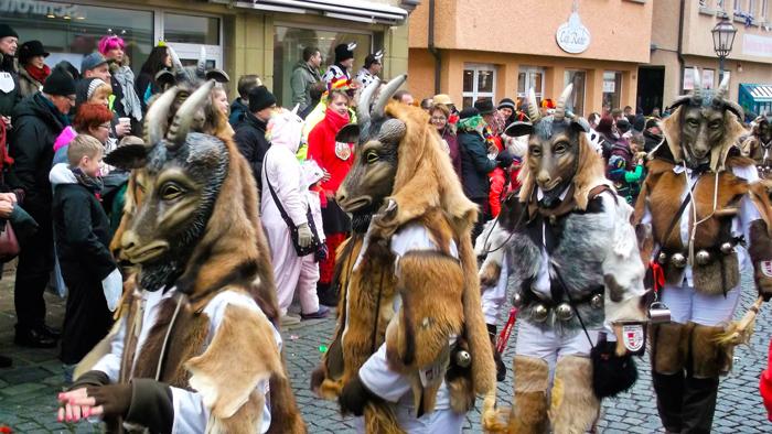Weil-der-Stadt-donviajon-carnavales-en-baden-wurttemberg-alemania