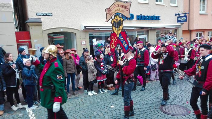 Weil-der-Stadt-donviajon-comparsas-de-la-alegria-carnaval-baden-wurttemberg-alemania