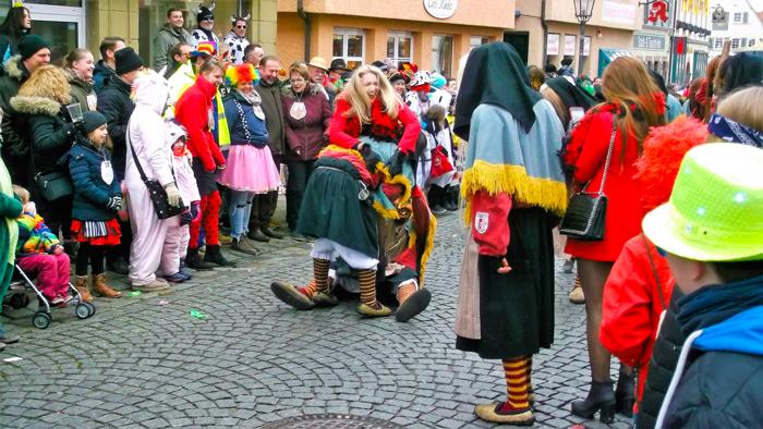 Weil-der-Stadt-donviajon-desfile-de-carnaval-en-baden-wurttemberg-alemania