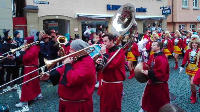 Weil-der-Stadt-donviajon-musica-de-carnaval-baden-wurttemberg-alemania