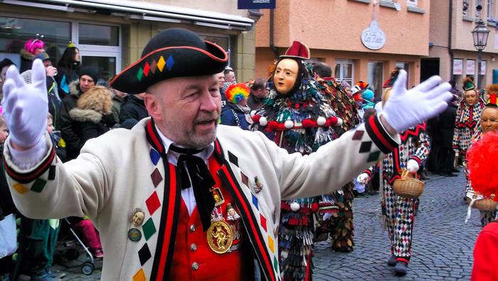 Weil-der-Stadt-donviajon-narrenzunft-turismo-de-carnaval-baden-wurttemberg-alemania