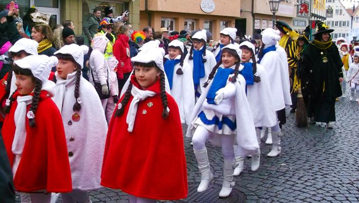 Weil-der-Stadt-donviajon-turismo-de-carnaval-fasnet-musica-diversion-baden-wurttemberg-alemania