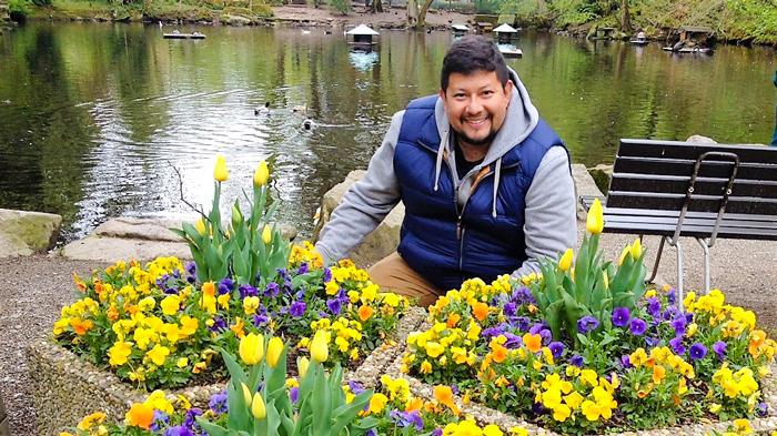 BadWildbad-Kurpark-bellos-jardines-donviajon-turismo-en- primavera-naturaleza-Selva-Negra-Baden-Wurttemberg-Alemania