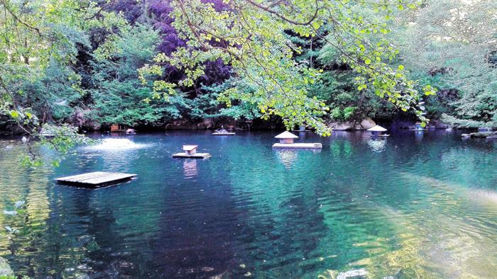 BadWildbad-Kurpark-Schwansee-donviajon-turismo-aventura-naturaleza-Selva-Negra-Baden-Wurttemberg-Alemania