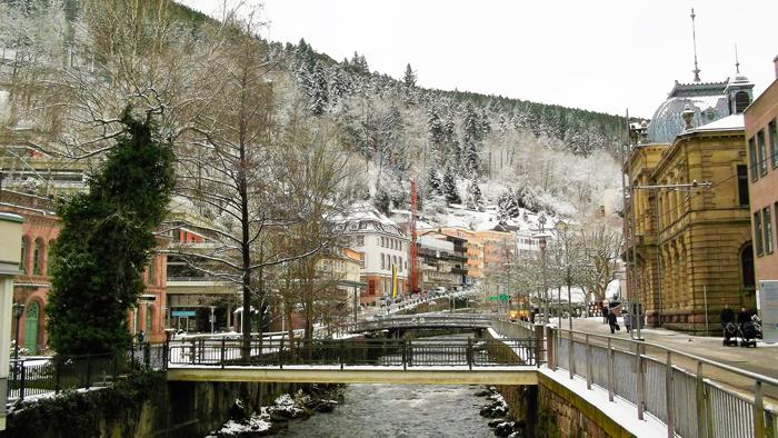BadWildbad-pueblos-bonitos-en-invierno-donviajon-turismo-sanacion-naturaleza-Selva-Negra-Baden-Wurttemberg-Alemania