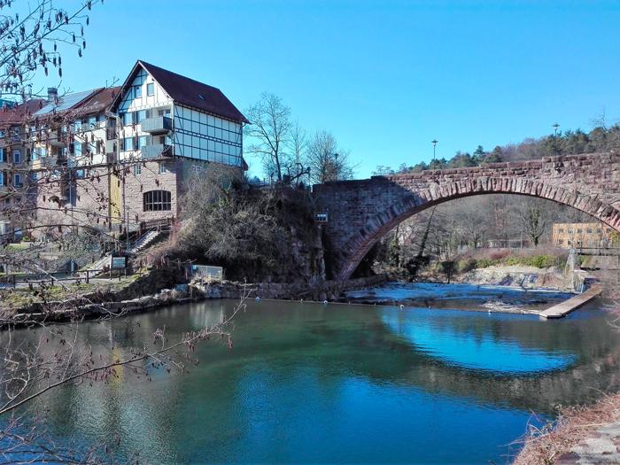 Dillweißenstein-puente-de-arco-donviajon-turismo-aventura-naturaleza-Selva-Negra-Pforzheim-Alemania