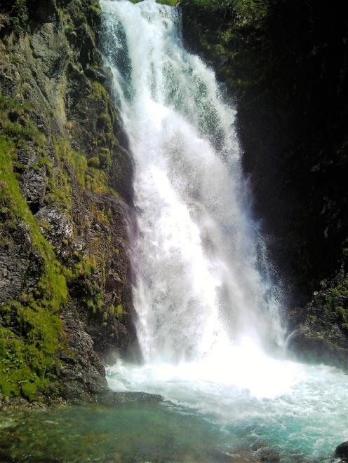 Gisclareny-Parque-natural-de-Cadi-Moixero-donviajon-naturaleza-rutas-de-senderismo-escalada-cascadas-turismo-de-aventura-catalunya-espanya