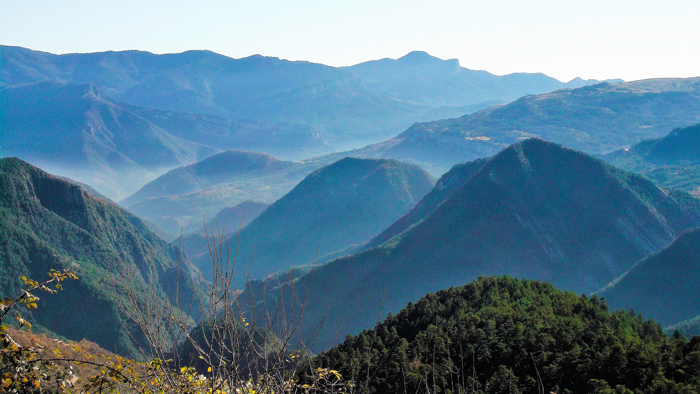 Gisclareny-Parque-natural-de-Cadi-Moixero-donviajon-naturaleza-senderismo-sierra-del-Cadi-turismo-de-aventura-catalunya-espanya