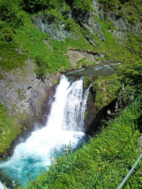 Gisclareny-Parque-natural-de-Cadi-Moixero-donviajon-naturaleza-senderismo-turismo-de-aventura-cascadas-riachuelos-catalunya-espanya