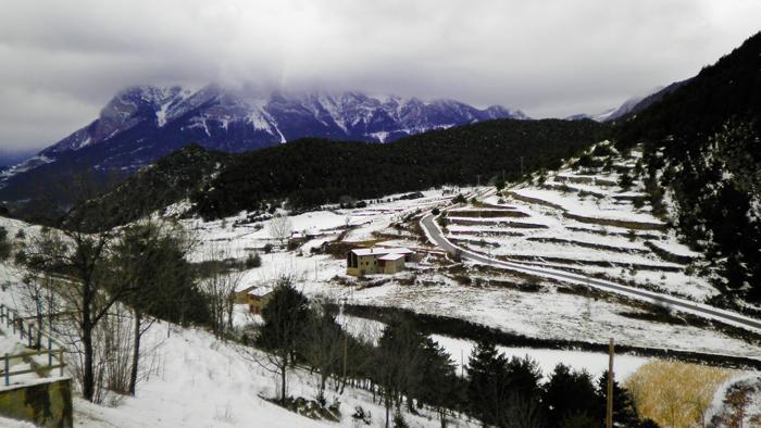 Gisclareny-Parque-natural-de-Cadi-Moixero-donviajon-naturaleza-senderismo-turismo-de-aventura-en-invierno-sierra-del-Cadi-catalunya-espanya