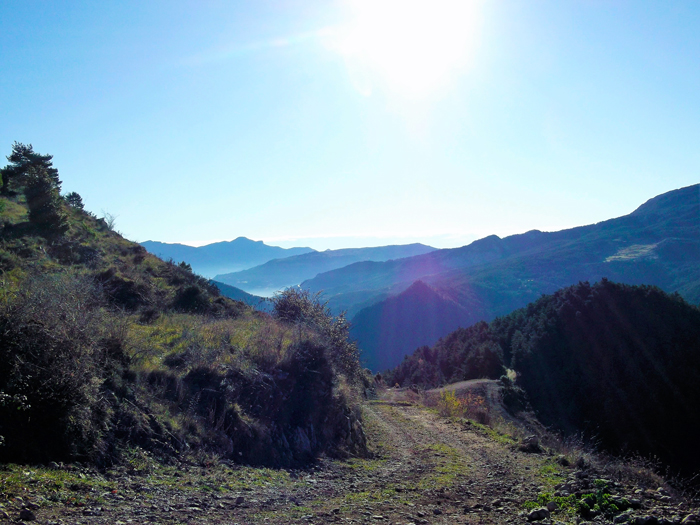 Gisclareny-Parque-natural-de-Cadi-Moixero-donviajon-naturaleza-senderismo-turismo-de-aventura-en-primavera-catalunya-espanya