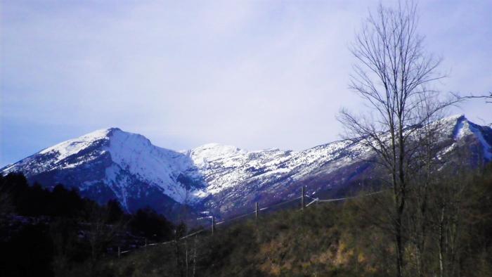Gisclareny-Parque-natural-de-Cadi-Moixero-donviajon-naturaleza-senderismo-turismo-de-aventura-en-verano-catalunya-espanya