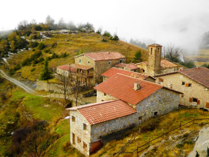 Gisclareny-Parque-natural-de-Cadi-Moixero-donviajon-naturaleza-senderismo-turismo-de-aventura-pueblos-bonitos-catalunya-espanya