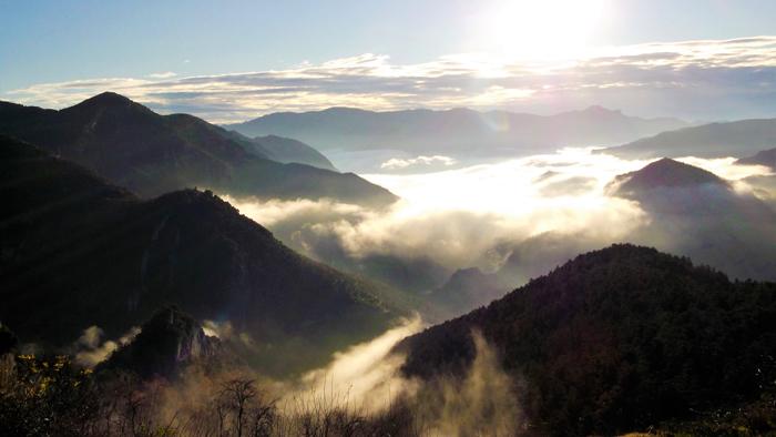 Sierras-del-Cadi-Moixero-don-viajon-turismo-de-aventura-naturaleza-niebla-catalunya-espanya