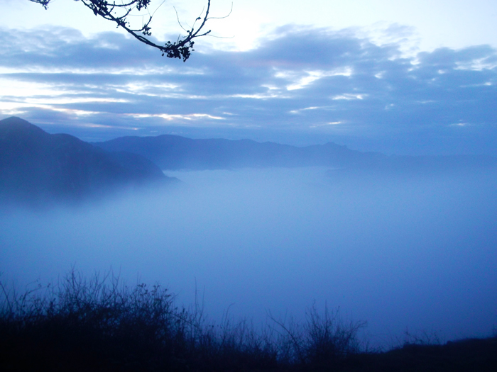 Sierras-del-Cadi-Moixero-donviajon-bancos-densos-de-niebla-turismo-de-aventura-catalunya-espanya