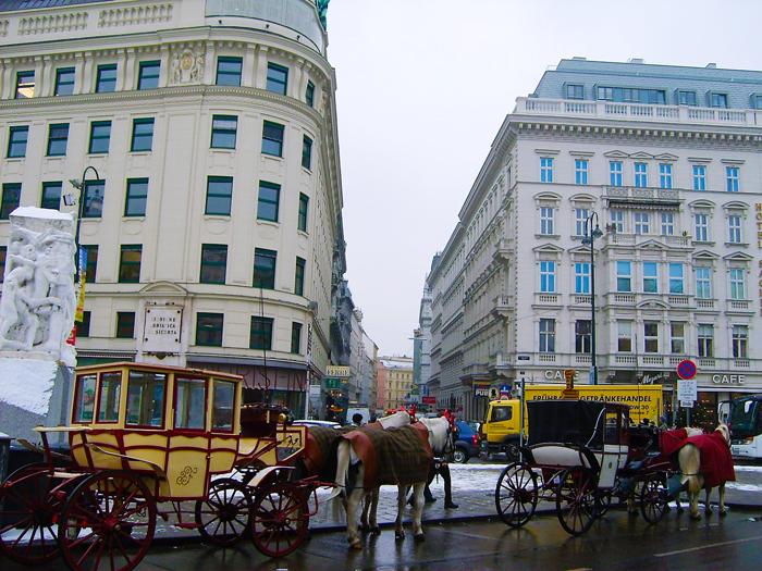 Viena-arquitectura-moderna-art- nouveau-donviajon-turismo-cultural-en-caleza-Viena-Austria