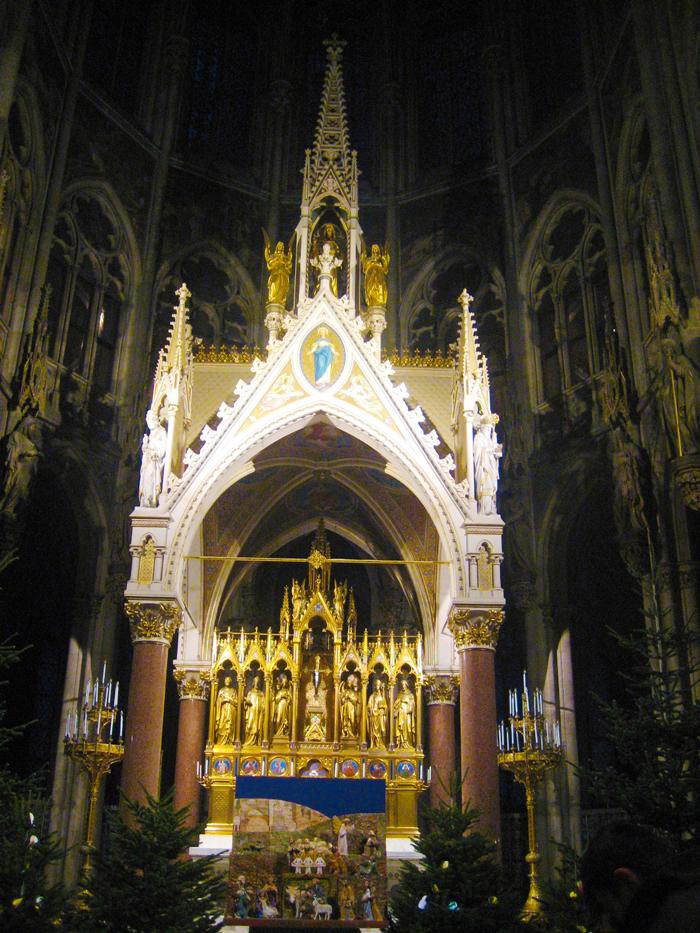 Viena-arte-religioso-gotico-iglesia-votiva-donviajon-turismo-cultural-aventura-invierno-Austria