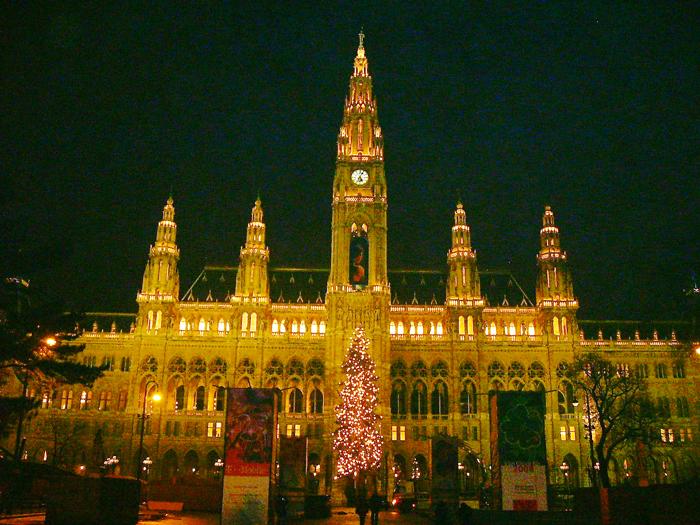 Viena-ayuntamiento-municipal-donviajon-turismo-cultural-arte-gotico-Viena-Austria