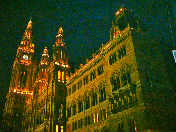 Viena-ayuntamiento-palacio-municipal-donviajon-arte-gotico-turismo-cultural-Austria