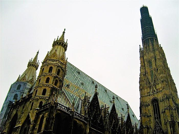 Viena-catedral-de-San-Esteban-donviajon-arte-gotico-barroco-turismo-cultural-religioso-aventura-Viena-Austria