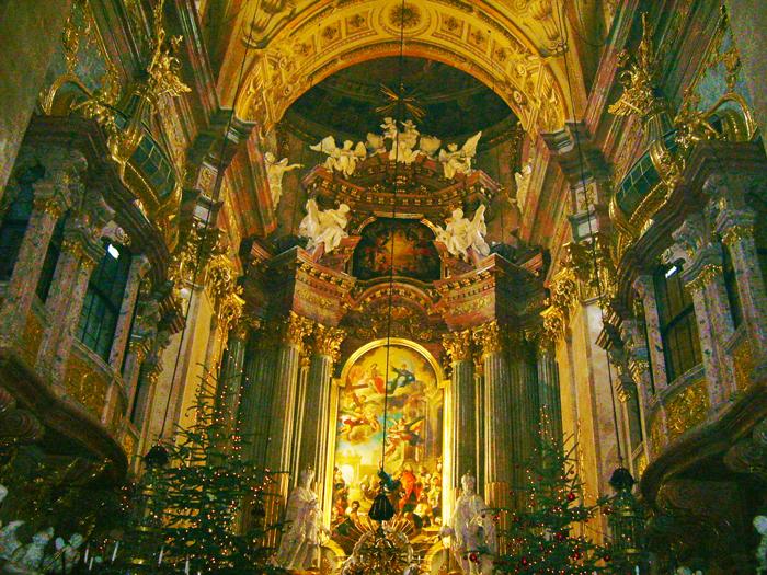 Viena-iglesia-de-san-Pedro-Peterkirche-donviajon-arte-barroco-rococo-turismo-cultural-religioso-Viena-Austria