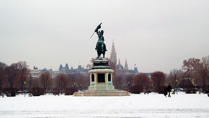 Viena-plaza-de-los-heroes-donviajon-turismo-de-invierno-cultura-aventura-paseo-en-caleza-Viena-Austria