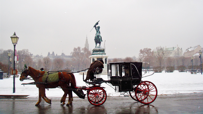 Viena-plaza-de-los-heroes-Heldenplatz-donviajon-turismo-en-caleza-Viena-Austria