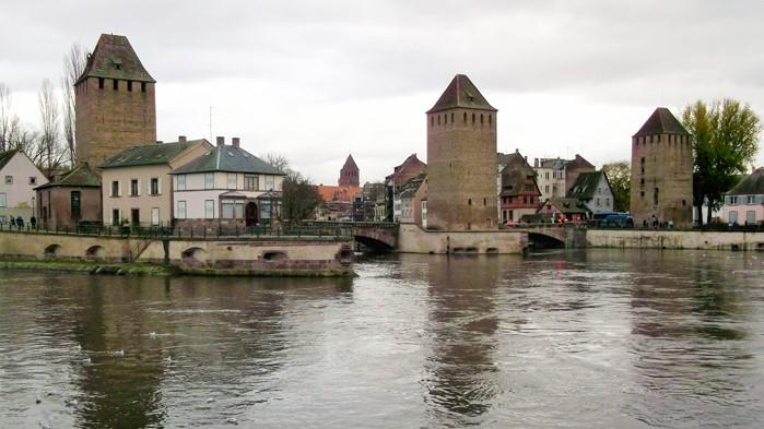 Estrasburgo-puente-de-las-tres-torres-donviajon-turismo-alsacia-francia