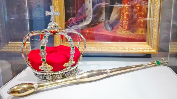 Museo-Estatal-de-Württemberg-donviajon-turismo-cultural-joyas-de-la-corona-Stuttgart-Baden-Wurttemberg-Alemania