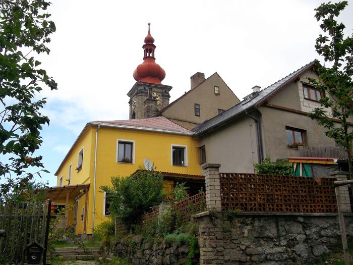 Becov-nad-Teplou-casas-campestres-donviajon-pueblos-bonitos-bohemia-turismo-cultural-aventura-por-republica-checa