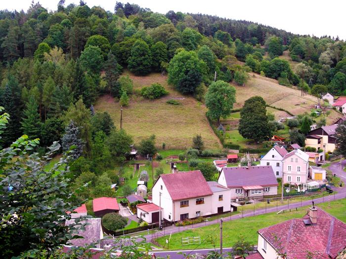 Becov-nad-Teplou-donviajon-pueblos-bonitos-bohemia-turismo-de-aventura-naturaleza-rio-tepla-republica-checa