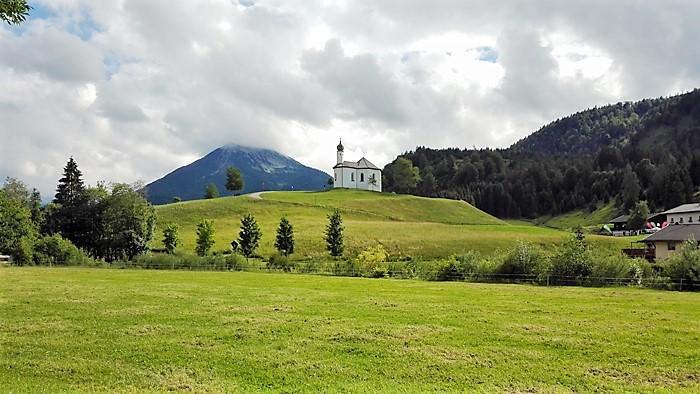 Achenkirch-capilla-de-santa-ana-don-viajon-arte-religioso-rural-turismo-cultural-naturaleza-tirol-austria