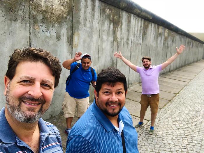El-muro-de-Berlin-donviajon-viajando-con-pasion-turismo-cultural-e-historico-Berlin-Alemania