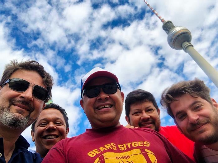 Torre-de-television-Berlin-don-viajon-viajando-con-pasion-turismo-viajes-Alemania
