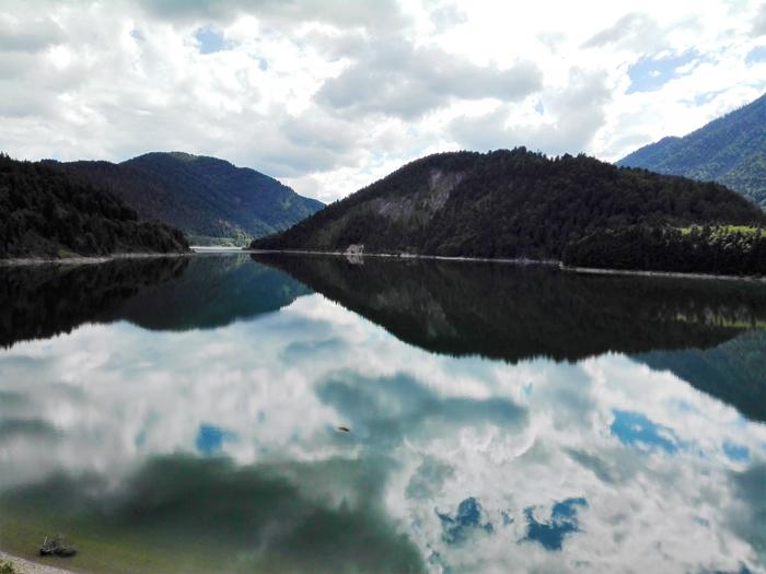 lago-Sylvenstein-don-viajon-lagos-bonitos-turismo-aventura-naturaleza-alpes-bavaros-Lenggries-Alemania