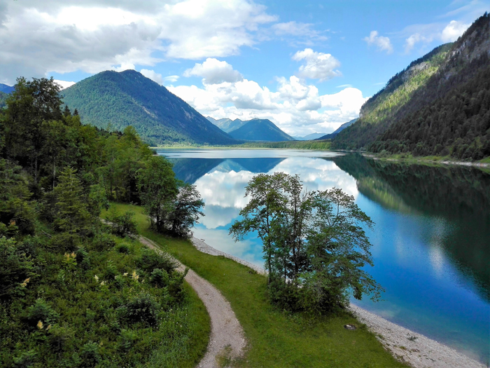lago-Sylvensteins-don-viajon-rutas-de-senderismo-Karwendel-turismo-aventura-naturaleza-alpes bavaros-Lenggries-Alemania