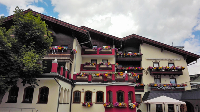 Pertisau-Achensee-arquitectura-rural-tirolesa-donviajon-turismo-cultural-naturaleza-Karwendel-tirol-austria