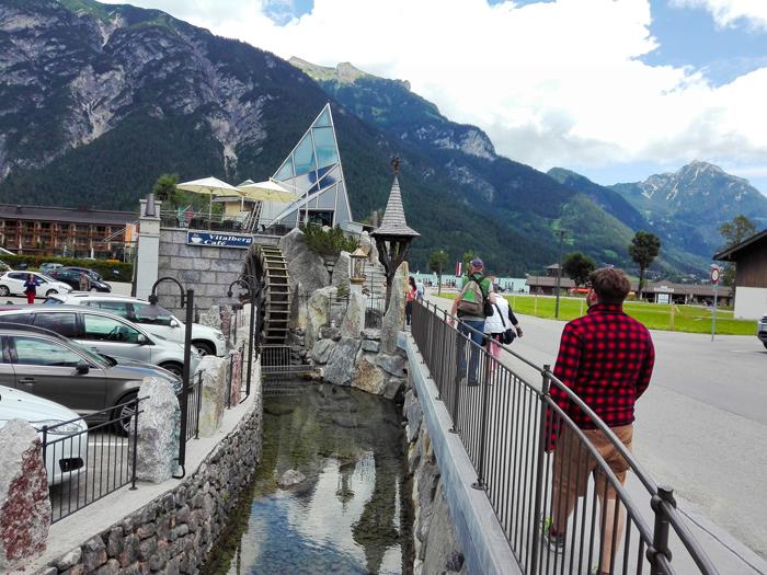 Pertisau-Achensee-don-viajon-museo-del-aceite-de-piedra-turismo-cultural-tirol-austria